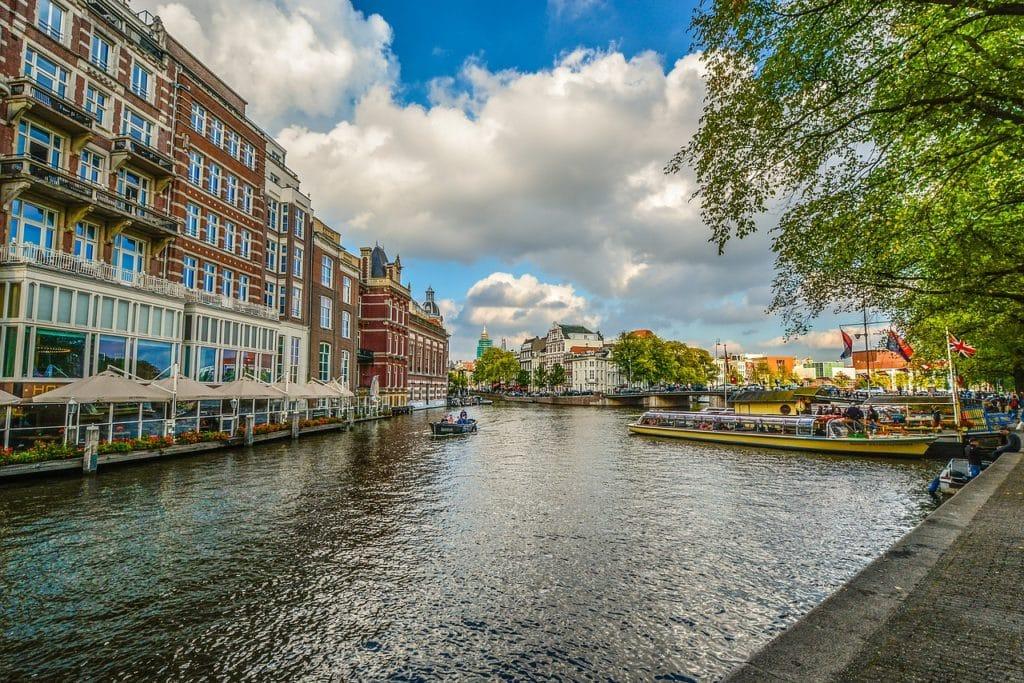 Amsterdam fot. pixabay