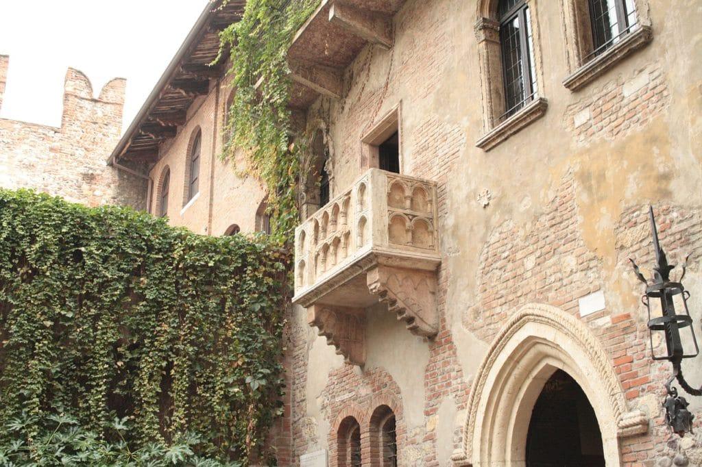 Słynny balkon Julii, Werona, Włochy fot. pixabay