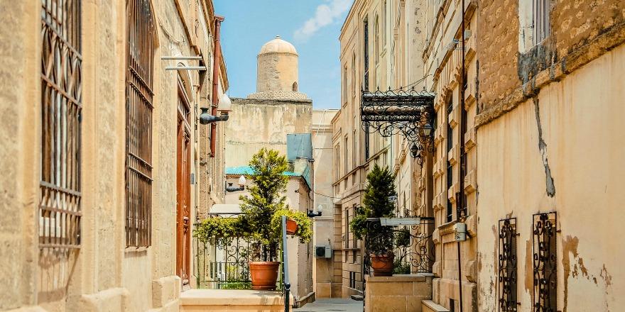 Baku. Przewodnik po stolicy Azerbejdżanu