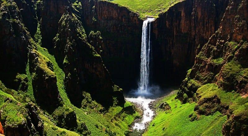 Wodospady Maletsunyane w Lesotho – tam, gdzie człowiek spotyka się z naturą