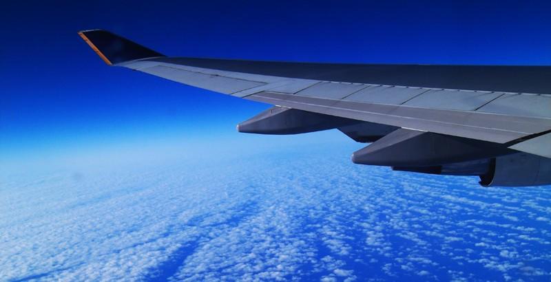 Jet-lag-jak-sobie-z-nim-poradzic-aina-travel