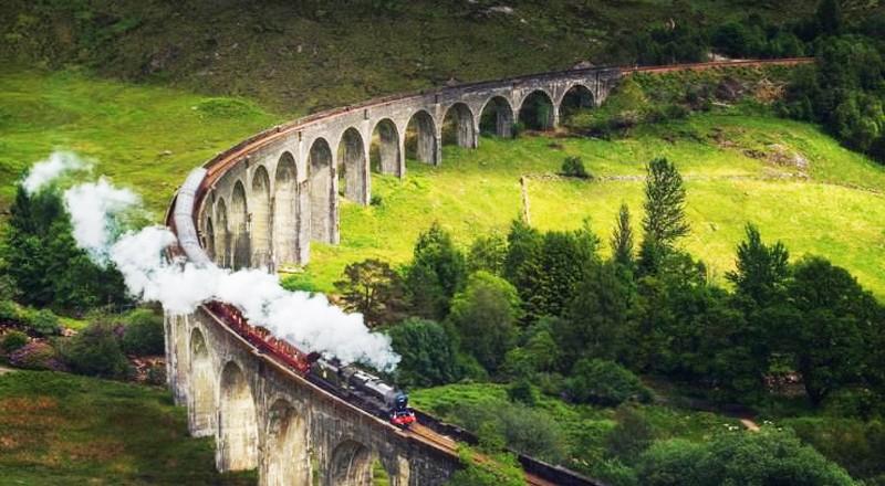 kolej-szkocka-aina-travel