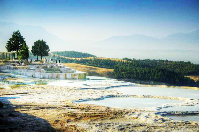 Pamukkale położone są w prowincji Denizil w południowo-zachodniej Turcji