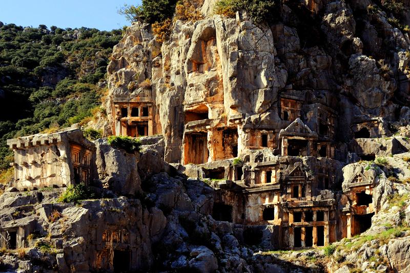 Pozostałości po starożytnych zabudowaniach na wyspie Kekova