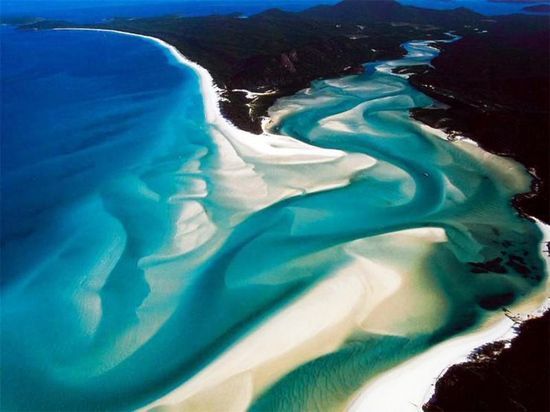 Whitehaven Beach to jedna z najpiękniejszych, ale i najtrudniej dostępnych plaż Australii