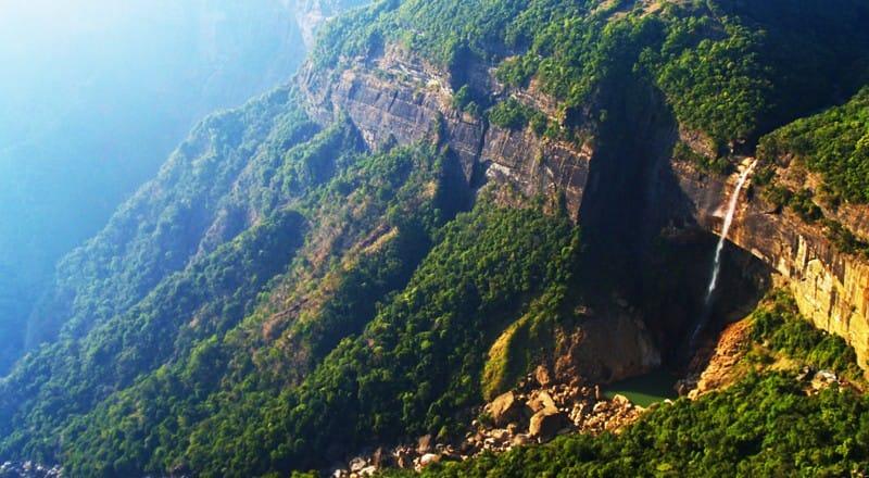 Wodospady Nohkalikai – pomysł na Indie