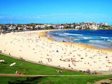 bondi-beach-aina-travel