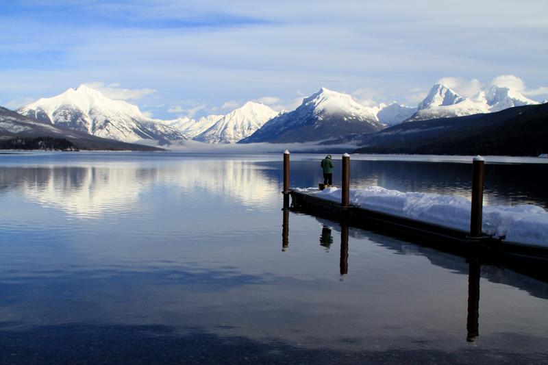 Jezioro McDonald prezentuje się równie dobrze latem, jak i zimą