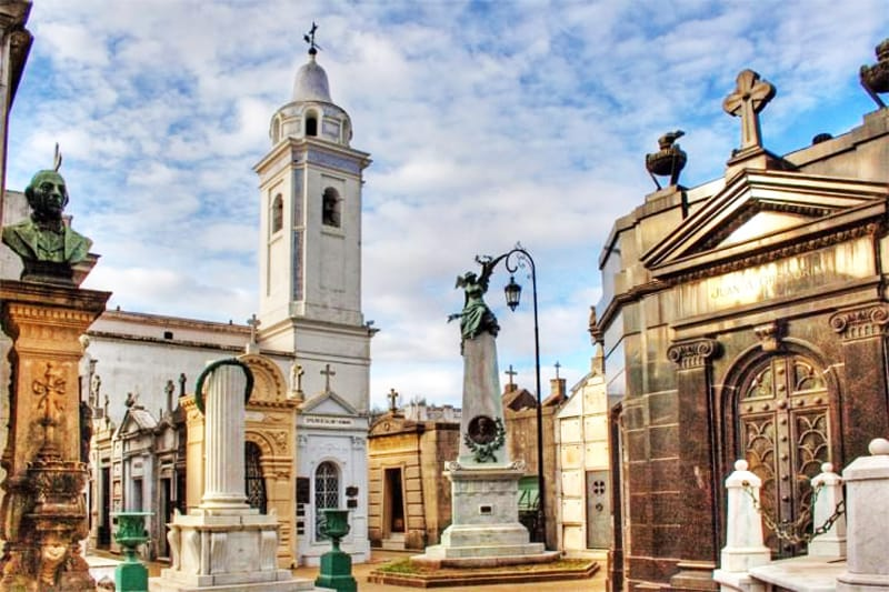 Cmentarz La Recoleta, Argentyna