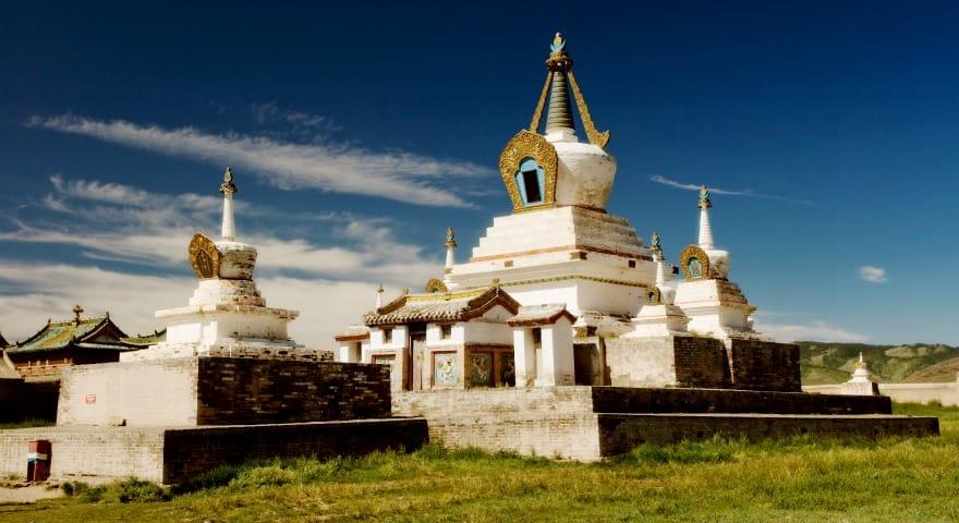 najstarsz-buddyjski-monastyr-erdene-zuu-khiid-aina-travel