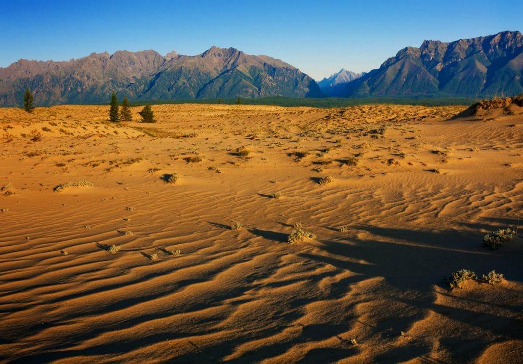 pustynny-krajobraz-wschodniej-syberii-aina-travel