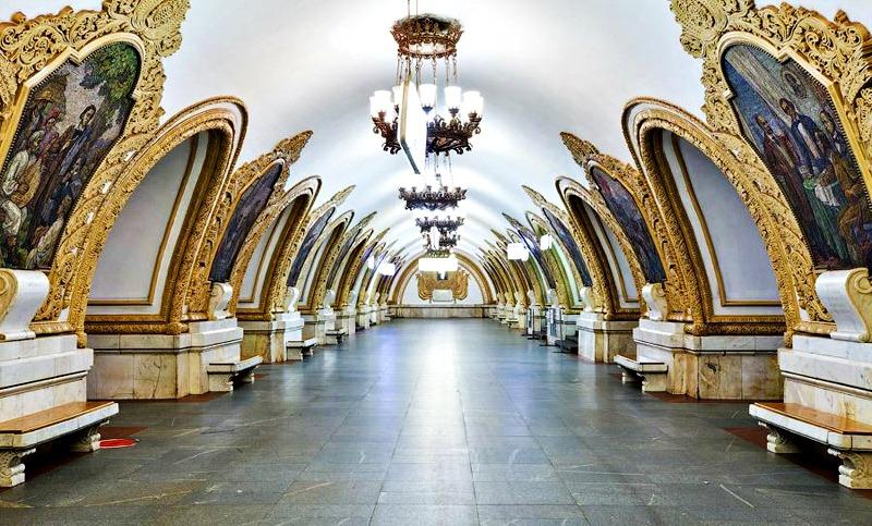 rosyjskie-metro-aina-travel