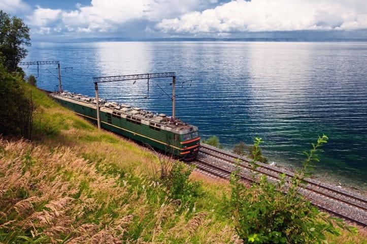 pociag-magistrali-bajkalsko-amurskiej-aina-travel