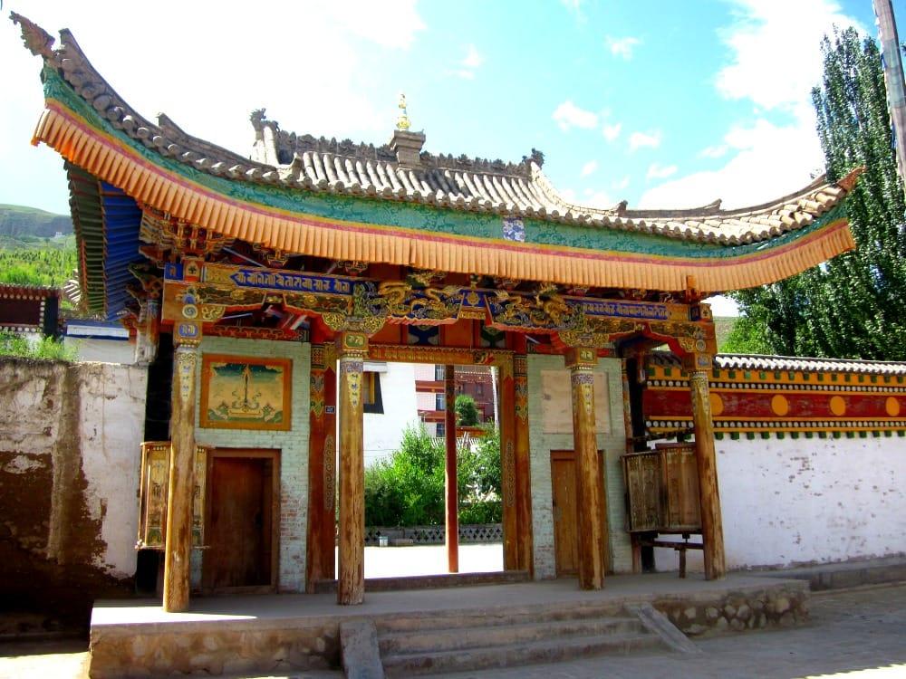 Zachowaj szczególną ostrożność w Qinghai, istnieje tam bowiem zagrożenie zarażenia się wirusem ptasiej grypy