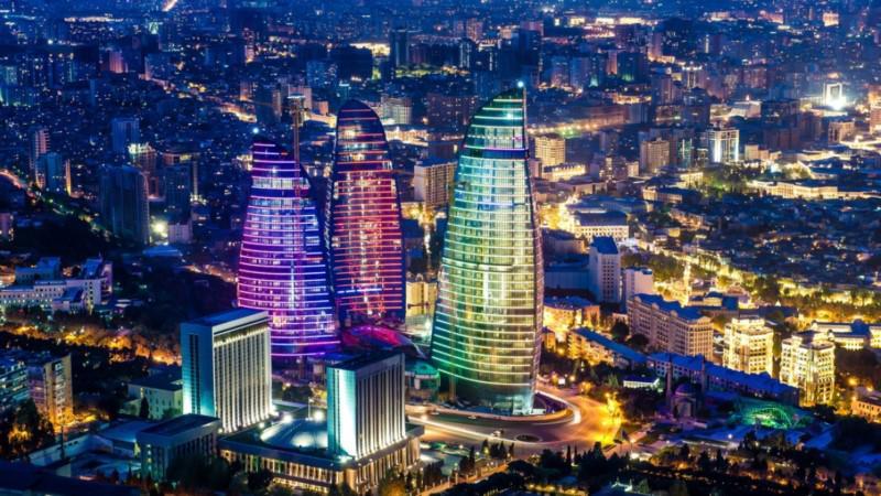 """Nad stolicą Azerbejdżanu królują """"Płonące Wieże."""