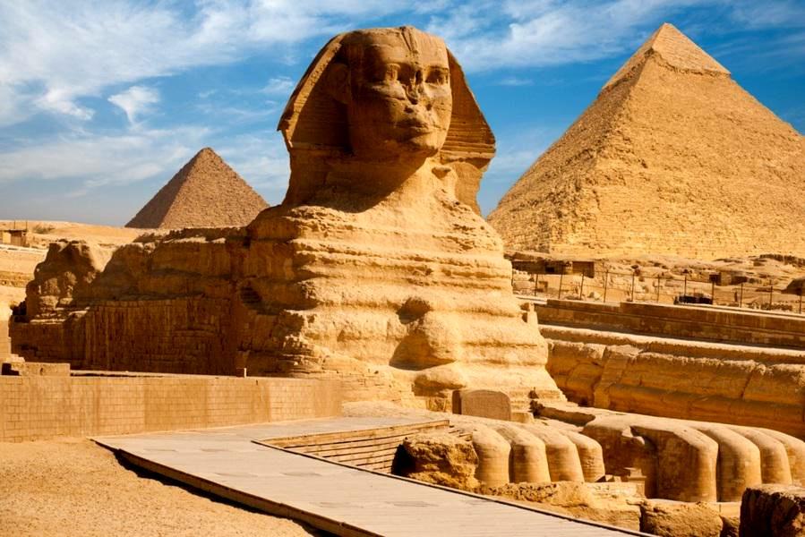Wakacje w Egipcie oznaczają archeologiczną przygodę, ale też plażowanie na słonecznym wybrzeżu.