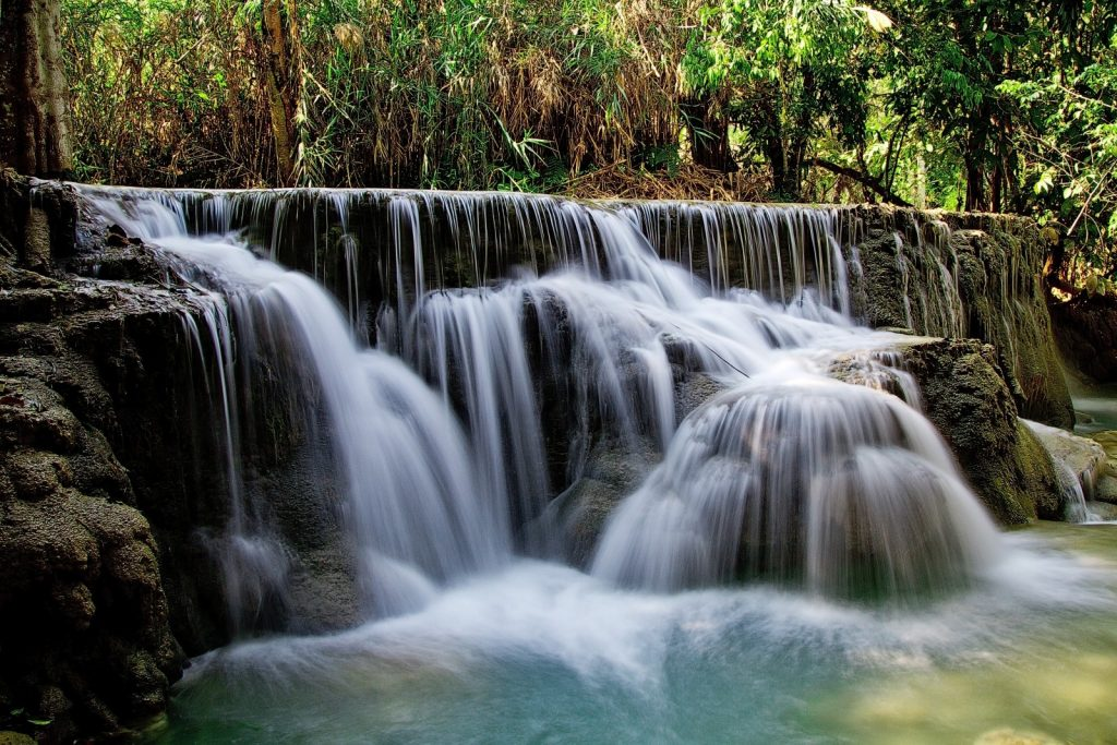 Laos to kraina pięknych wodospadów.