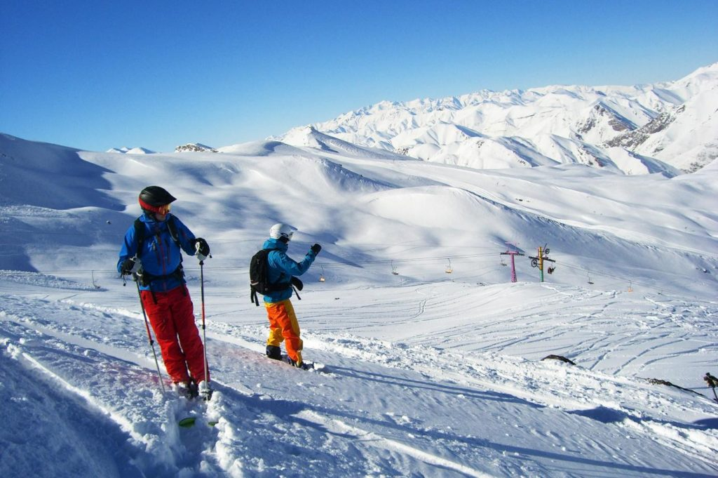Nad Teheranem znajdują się jedne z najlepszych resortów narciarskich na świecie.