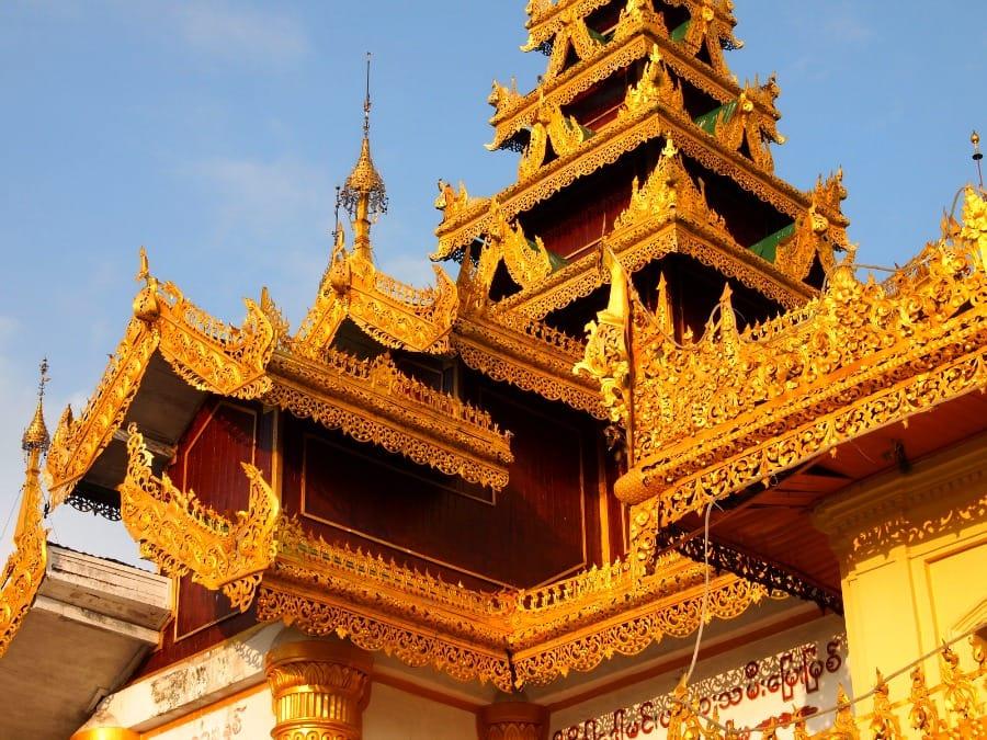 Pagoda Shwedagon w Yangonie