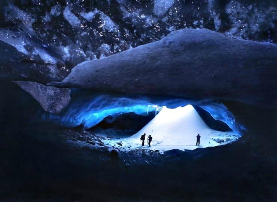 Jaskinie lodowe