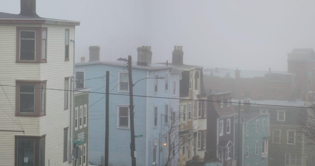 Miasto przez prawie 124 dni w roku spowija mgła