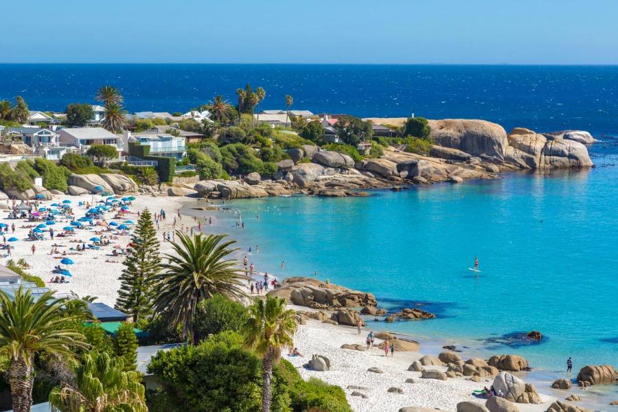 Sąsiadująca z Namibią Angola to przede wszystkim rajskie plaże.
