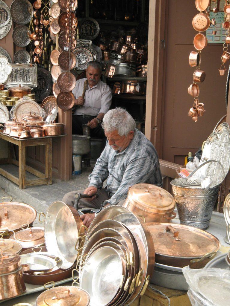 w-iranie-mozesz-znalezc-wiele-rzeczy-wykonanych-wlasnorecznie-blog-aina