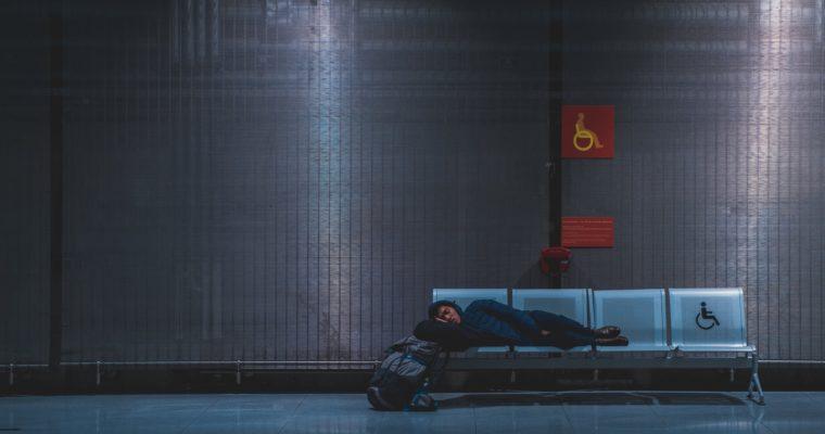 Jet lag – jak sobie z nim radzić?