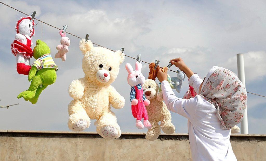 Nawet misiom nie uda się uciec przed tradycją sprzątania przed świętami w Iranie!
