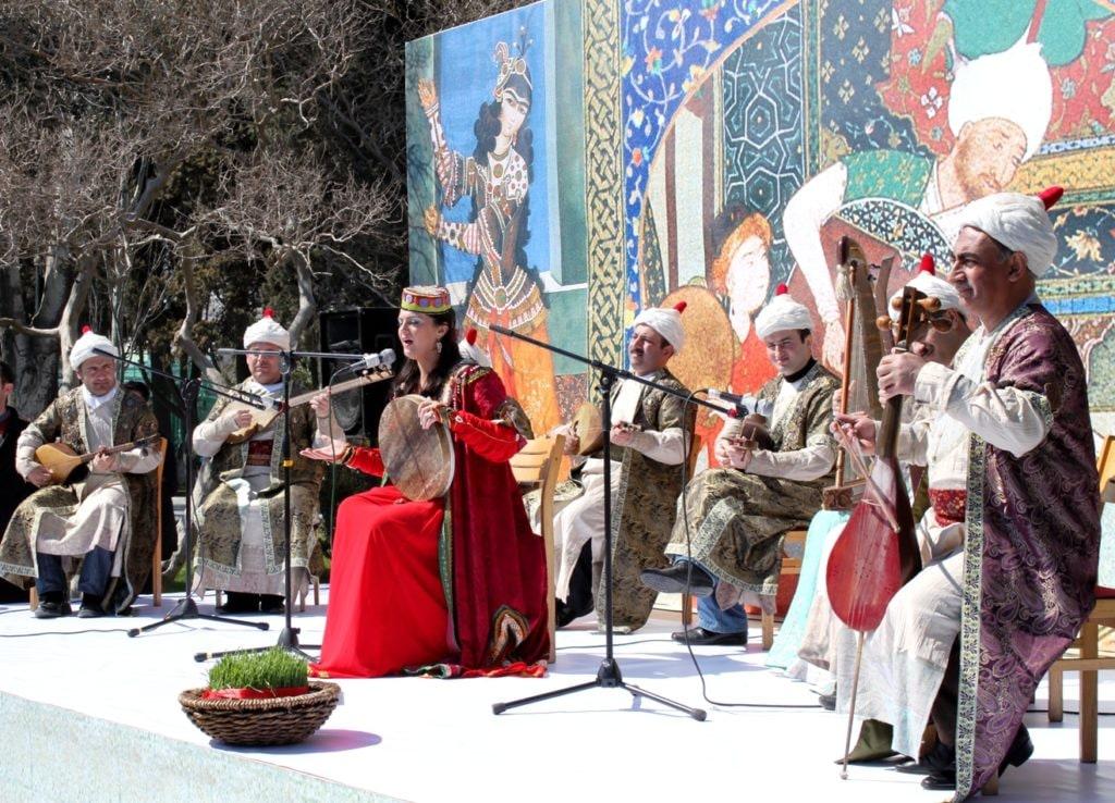 Wszystkim udziela się pozytywna aura, a cały Azerbejdżan wygląda wtedy przepięknie!